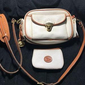 Dooney & Bourke Bags - Dooney &Bourke vintage Crossbody